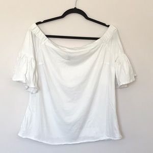 Cute white top with ruffle sleeves